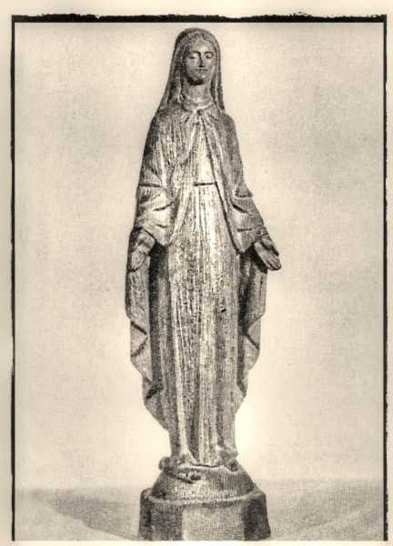 Our-Lady-of-the-Miraculous-Medal-Statue-2