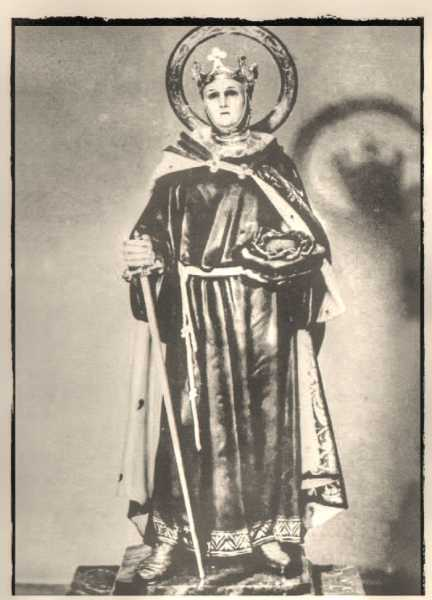 Saint-Louis-King-of-France-Statue-2