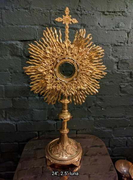 Catholic-Monstrance-Ostensorium-1