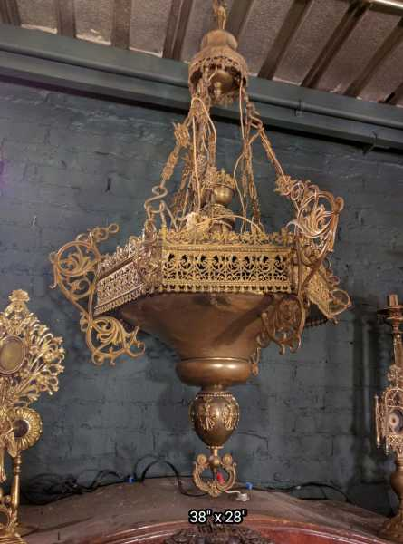 Amazing-Antique-Sanctuary-Lamp-8