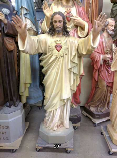 Jesus-Statue-Arms-Outstretched-4