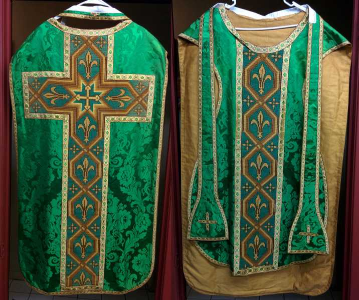 Fiddleback-Vestment-Green